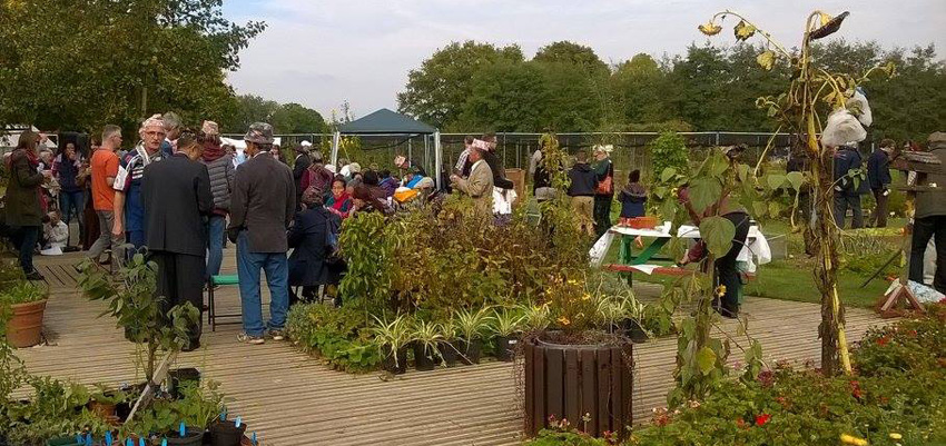 Jealott's Hill Community Landshare receive their Queen's Award for Voluntary Service
